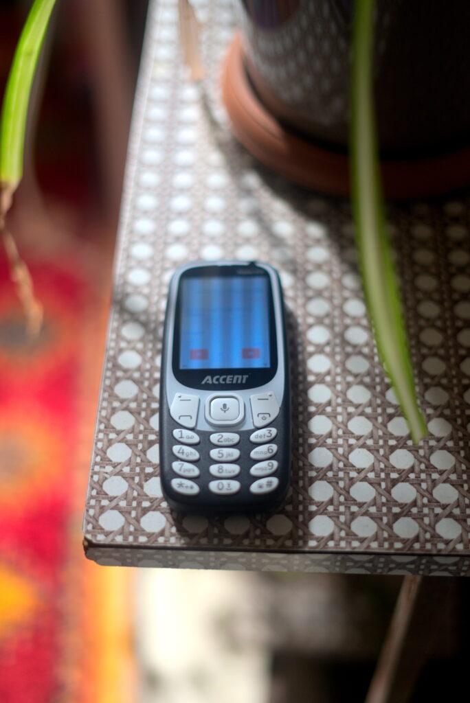 KaiOS feature keypad phone Accent Nubia 50k